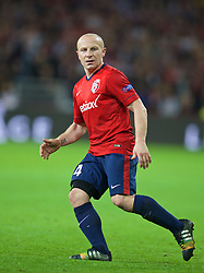 LILLE, FRANCE - Thursday, October 23, 2014: Lille OSC's Florent Balmont in action against Everton during the UEFA Europa League Group H match at Stade Pierre-Mauroy. (Pic by David Rawcliffe/Propaganda)