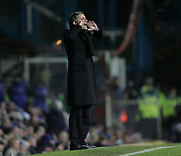 Photo: Lee Earle.<br /> Portsmouth v Chelsea. The Barclays Premiership.<br /> 26/11/2005. Chelsea manager Jose Mourinho shouts his orders.