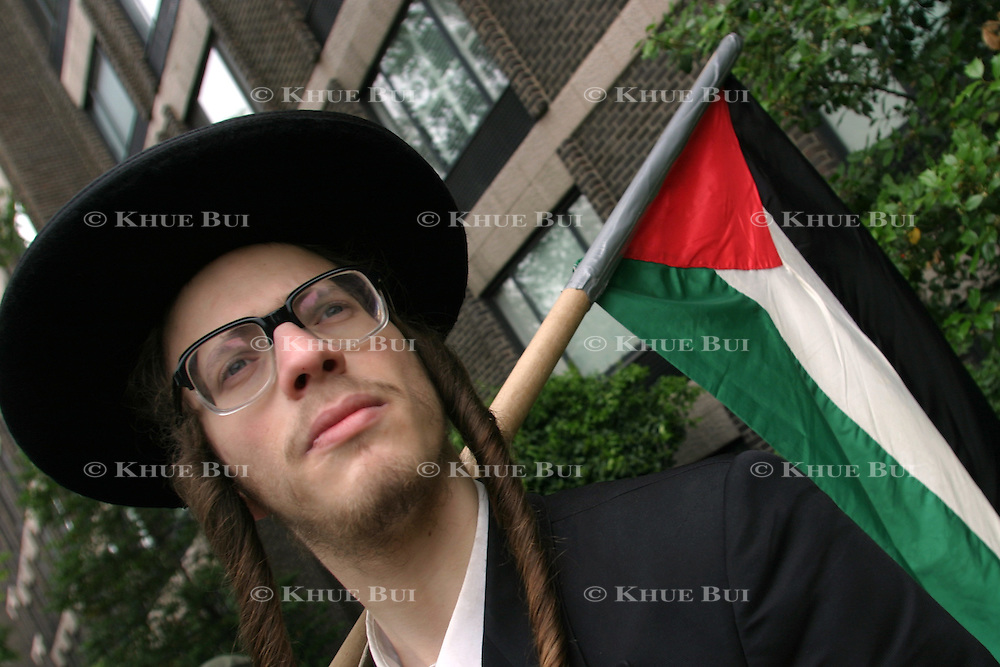 Osher Zelig Ostreicher, of Monsey, New York, right, from the group of Neturei Karta, protests against Zionists activities Sunday, May 18, 2003, in Washington, DC.  The group was protesting a gathering of Christian and Jewish groups in support of Israel at the Interfaith Zionist Leadership Summit...Photo by Khue Bui