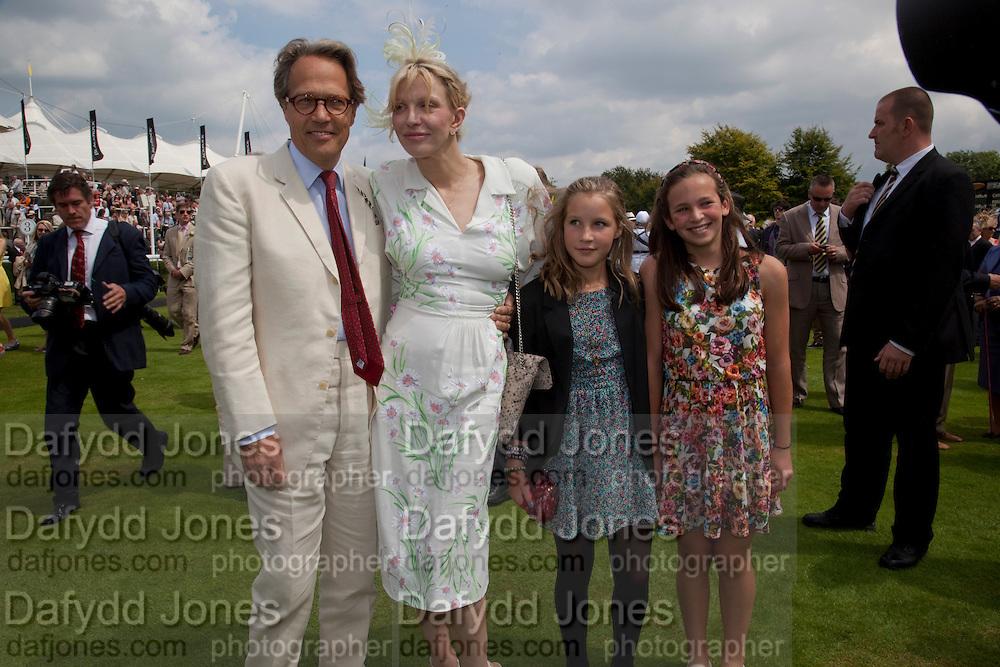 THE EARL OF MARCHL; COURTNEY LOVE;LADY ELOISE GORDON-LENNOX;, MIA SELMAN; , Glorious Goodwood. Ladies Day. 28 July 2011. <br /> <br />  , -DO NOT ARCHIVE-© Copyright Photograph by Dafydd Jones. 248 Clapham Rd. London SW9 0PZ. Tel 0207 820 0771. www.dafjones.com.