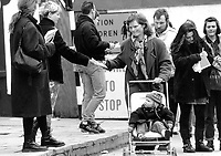'Right to Choose' Campaign hand out abortion information in Naas. Sunday Tribune. 14/3/92. (Part of the Independent Newspapers Ireland/NLI Collection)