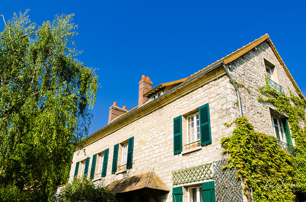 Ivy covered house, Giverny, Normandy, France