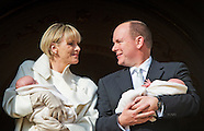 Prince Albert (R) and Princess Charlene (L) of Monaco present their baby twins Princess Gabriella an