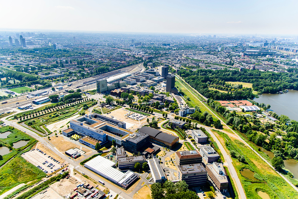 Nederland, Noord-Holland, Amsterdam,  29-06-2018; Watergraafsmeer, Science park. Universiteit van Amsterdam, Faculteit der Natuurwetenschappen, Wiskunde en Informatica. Startup Villag<br /> Science park with University Amsterdam, Science department.<br /> <br /> luchtfoto (toeslag op standard tarieven);<br /> aerial photo (additional fee required);<br /> copyright foto/photo Siebe Swart