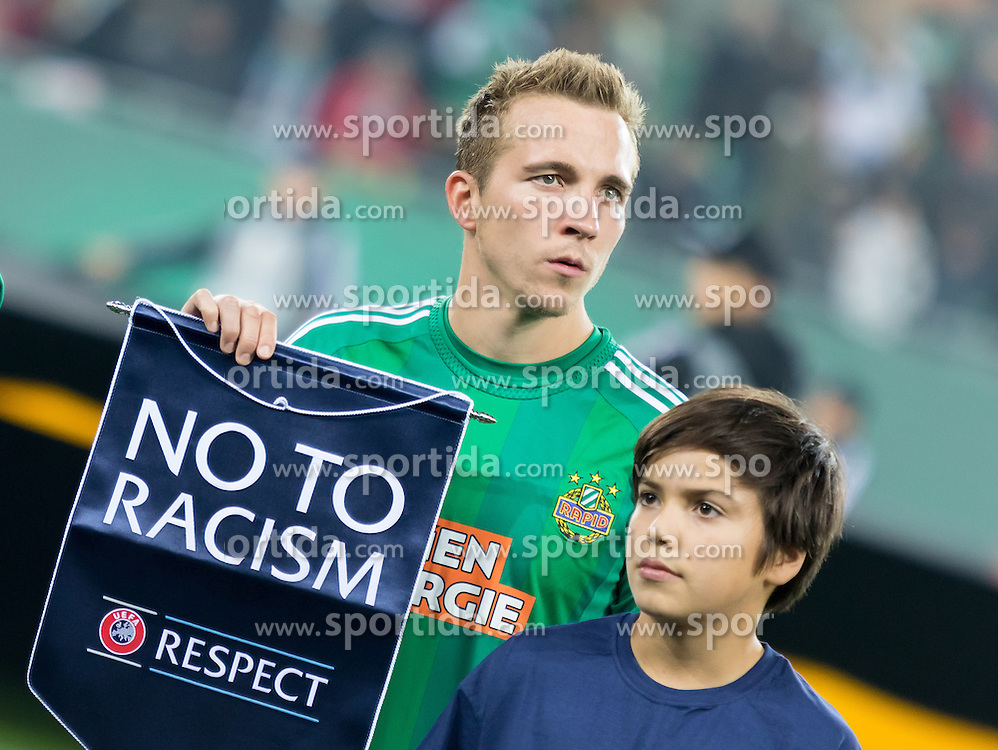 20.10.2016, Weststadion, Wien, AUT, UEFA EL, SK Rapid Wien vs US Sassuolo Calcio, Gruppe F, im Bild Christopher Dibon (SK Rapid Wien) // during a UEFA Europa League, group F game between SK Rapid Wien and US Sassuolo Calcio at the Weststadion, Vienna, Austria on 2016/10/20. EXPA Pictures © 2016, PhotoCredit: EXPA/ Sebastian Pucher