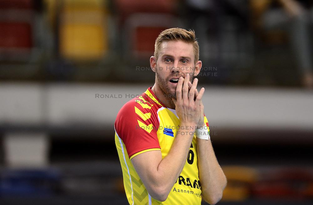 18-10-2014 NED: Draisma Dynamo - Prins/VCV, Apeldoorn<br /> VCV verslaat Dynamo met 3-2 / Johan Oosting