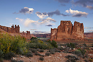 """The bizarre and beautiful rock forms of the """"Courthouse Towers"""" at Arches National Park, Utah, USA"""