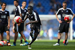 N'Golo Kante of Leicester City warms up - Mandatory byline: Jason Brown/JMP - 15/05/2016 - FOOTBALL - London, Stamford Bridge - Chelsea v Leicester City - Barclays Premier League