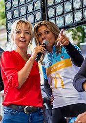 24-06-2017 NED: Start Homeride & Homerun, Utrecht<br /> Vanaf de Domplein startte de HomeRide en Homerun. Een 500km en 200 km event in 24 uur. Leontien van Moorsel, Yvon Jaspers
