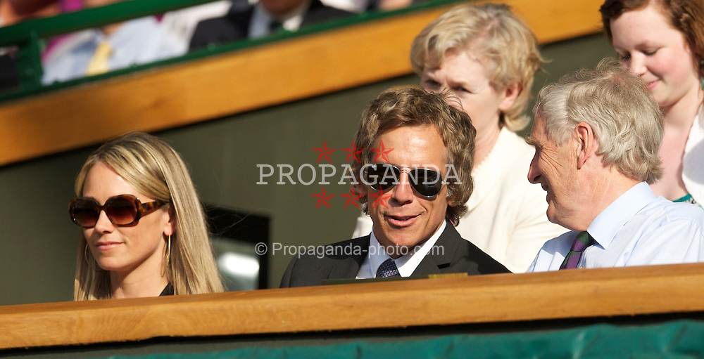 LONDON, ENGLAND - Wednesday, June 30, 2010: Actor Ben Stiller and wife Christine watch Andy Murray during the Gentlemen's Singles Quarter-Final on day nine of the Wimbledon Lawn Tennis Championships at the All England Lawn Tennis and Croquet Club. (Pic by David Rawcliffe/Propaganda)