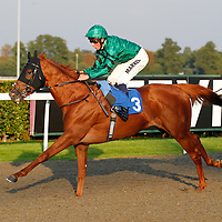Comrow and William Buick winning the 6.10 race