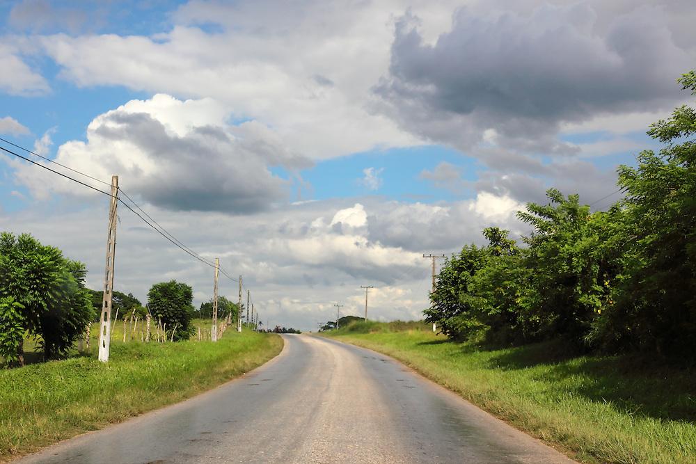 Country road near Cabaiguan, Sancti Spiritus, Cuba.