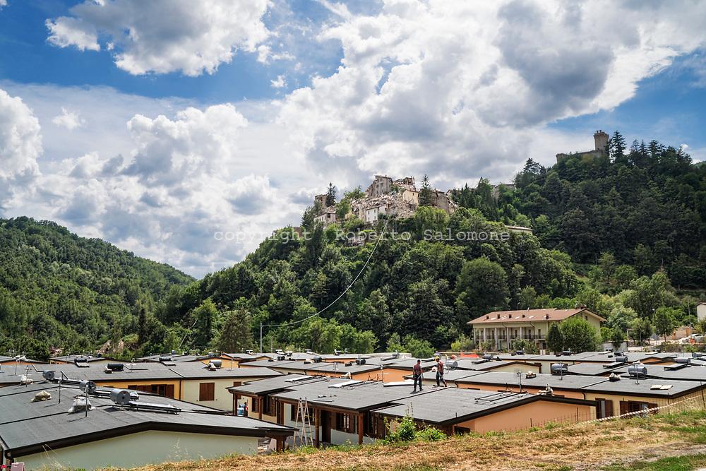 Arquata, Italia - Le &quot;casette&quot; post terremoto ancora in fase di costruzione ad Arquata, piccolo paese devastato dal terremoto.<br /> Ph. Roberto Salomone