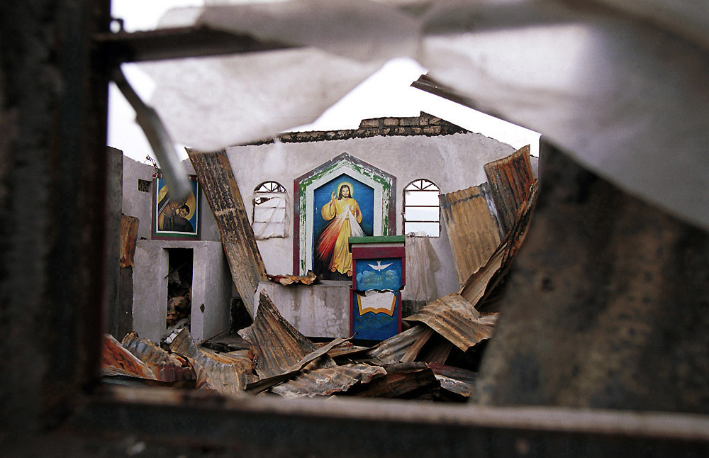 The catholic church in Goma, Democratic republic of Congo whose walls were left intact following the eruption of the Nyiragongo volcano on 17/1/2002. Goma, a city of 400,000 people was totally destroyed following the eruption which killed 50 people.