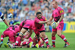 Piri Weepu of London Welsh passes the ball back - Photo mandatory by-line: Patrick Khachfe/JMP - Mobile: 07966 386802 13/09/2014 - SPORT - RUGBY UNION - Bath - The Recreation Ground - Bath Rugby v London Welsh - Aviva Premiership
