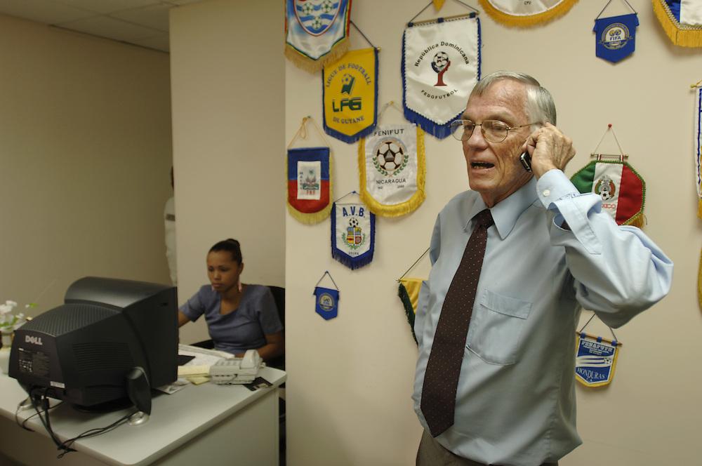 .German: Peter O'Conner, Marketingmanager beim Fussballverband von Trinidad & Tobago, in seinem Büro in Port of Spain, Trinidad.