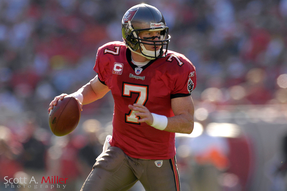 Dec. 23, 2007; Tampa, FL, USA; Tampa Bay Buccaneers quarterback Jeff Garcia (7) during the Bucs game against the Atlanta Falcons at Raymond James Stadium....©2007 Scott A. Miller
