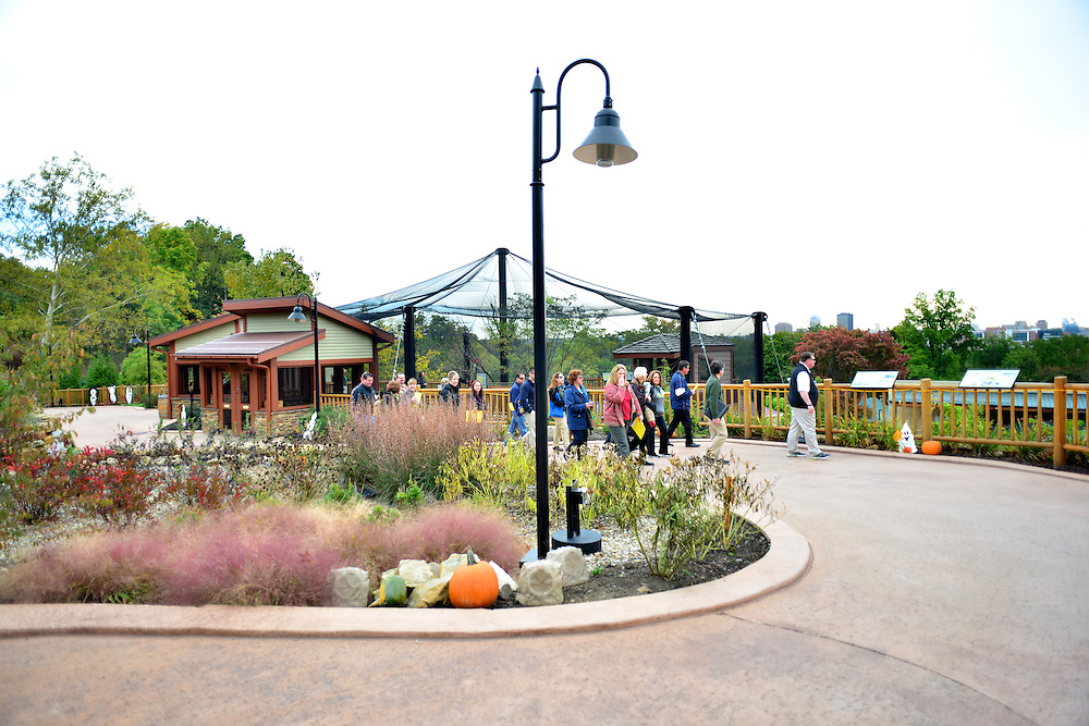 People visiting the Akron Zoo