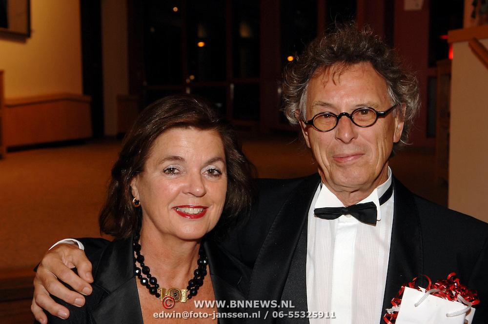 NLD/Hoorn/20061011 - Premiere Wat Zien Ik, Ruud Bos en partner Olga Limburg