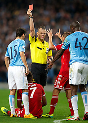 02.10.2013, Etihad Stadion, Manchester, ENG, UEFA Champions League, Manchester City vs FC Bayern Muenchen, Gruppe D, im Bild Bayern Munich's Jerome Boateng sent off by referee Bjorn Kuipers after getting a red card against Manchester City during the UEFA Champions League Group D match between Manchester City vs FC Bayern Munich at the Etihad Stadium, Manchester, Great Britain on 2013/10/02. EXPA Pictures &copy; 2013, PhotoCredit: EXPA/ Propagandaphoto/ David Rawcliffe<br /> <br /> ***** ATTENTION - OUT OF ENG, GBR, UK *****