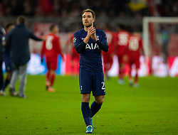 MUNICH, GERMANY - Wednesday, December 11, 2019: Tottenham Hotspur's Christian Eriksen applauds the supporters after the final UEFA Champions League Group B match between FC Bayern München and Tottenham Hotspur FC at the Allianz Arena. Bayern Munich won 3-1. (Pic by David Rawcliffe/Propaganda)