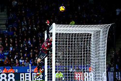 Kasper Schmeichel of Leicester City makes a save - Mandatory by-line: Robbie Stephenson/JMP - 29/12/2018 - FOOTBALL - King Power Stadium - Leicester, England - Leicester City v Cardiff City - Premier League
