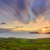 Sunset Ireland - Ring of Kerry - Scenic irish landscape view of atlantic coastline of southwest kerry during colourful sunset in the evening overlooking puffin island, the great skelligs and st. finians bay, County Kerry Ireland. Puffin Island and Skellig Michael and little skellig is a nature reserve / bs039 I love the Skelligs, ****** <br />