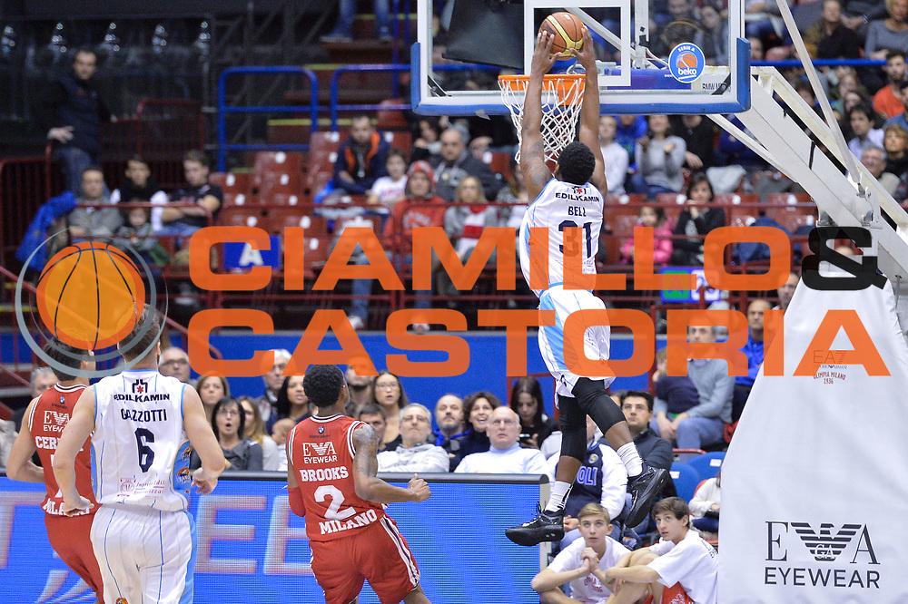 DESCRIZIONE : Milano Lega A 2014-15  EA7 Emporio Armani Milano vs Vagoli Basket Cremona<br /> GIOCATORE : Bell James<br /> CATEGORIA : Controcampo Schiacciata <br /> SQUADRA : Vagoli Basket Cremona<br /> EVENTO : Campionato Lega A 2014-2015<br /> GARA : EA7 Emporio Armani Milano vs Vagoli Basket Cremona<br /> DATA : 25/01/2015<br /> SPORT : Pallacanestro <br /> AUTORE : Agenzia Ciamillo-Castoria/I.Mancini<br /> Galleria : Lega Basket A 2014-2015  <br /> Fotonotizia : Cantù Lega A 2014-2015 Pallacanestro : EA7 Emporio Armani Milano vs Vagoli Basket Cremona<br /> Predefinita :