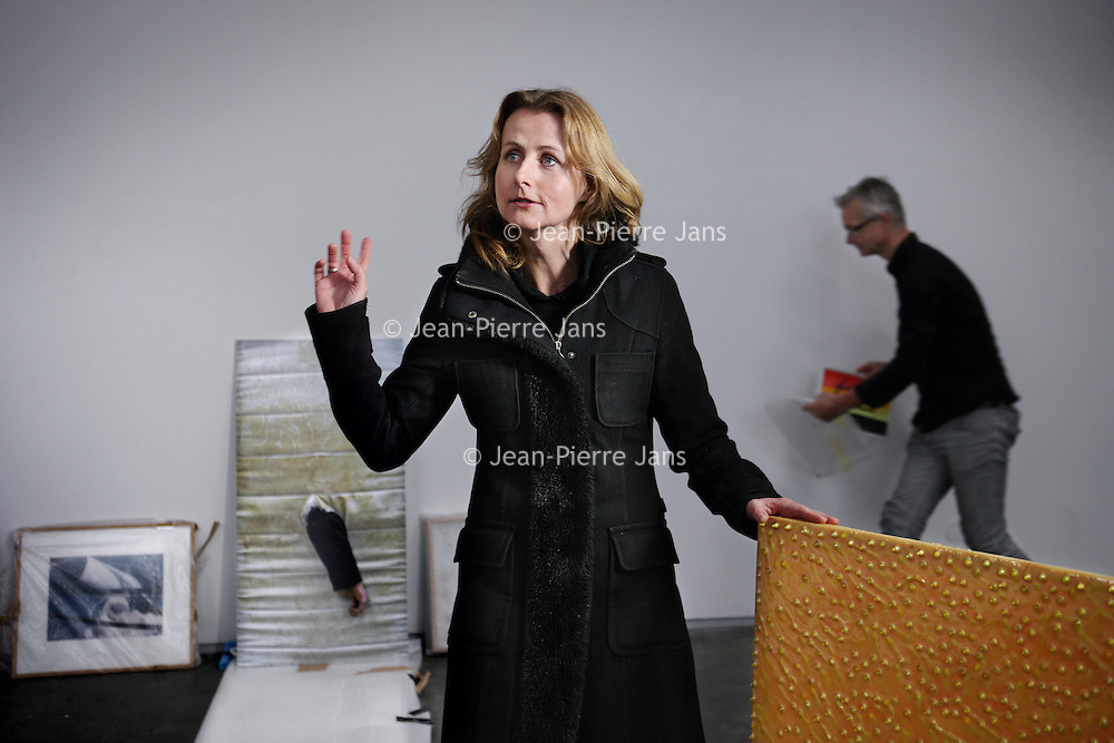 Nederland, Amsterdam , 16 december 2014.<br /> Tanja Karreman, directeur van Nieuw Dakota.<br /> <br /> Tanja Karreman is kunsthistoricus en curator. Ze werkte eerder als adviseur beeldende kunst voor het Amsterdamse Fonds voor de Kunst. In 2010 was zij de curator van de Noord-Holland Biënnale. Ook werkte ze enkele jaren als freelance redacteur voor Avro's KunstUur. Tanja Karreman adviseert architecten, instellingen en verschillende overheden over kunst in het publieke domein, waaronder Bureau Spoorbouwmeester, het Centrum Beeldende Kunst Rotterdam, Kunstgebouw. Ze is als bestuurslid betrokken bij verschillende initiatieven, zoals het Blauwe Huis, een project van beeldend kunstenaar Jeanne van Heeswijk, en Hotel Mariakapel in Hoorn.<br /> <br /> Foto:Jean-Pierre Jans