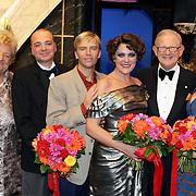 NLD/Amsterdam/200801010 - Premiere Sunset Boulevard, Erica Terpstra, Peter de Smet, Anthonie Kamerling, Simone Kleinsma, Mr. Pieter van Vollenhoven en Maaike Boerdam