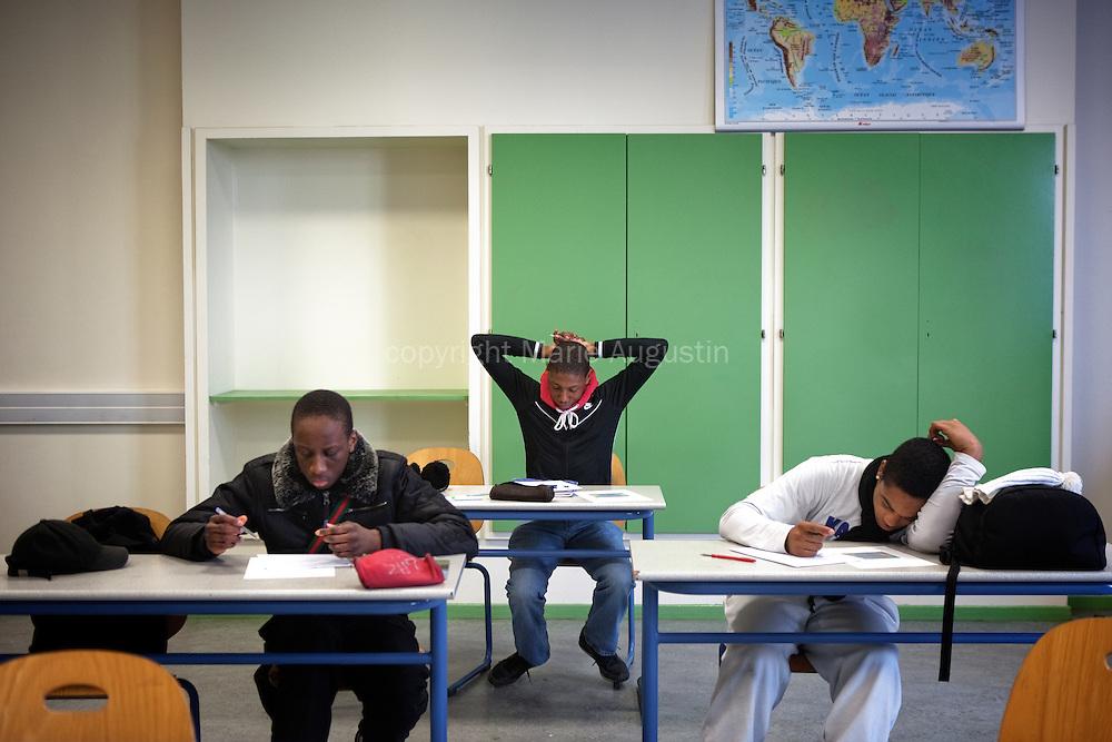 Cours de Français, 1ère BELEEC (électrotechnique) - Lycée électrique 2011