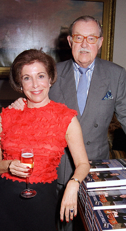 MISS VALERIE KLEEMAN and travel writer MR ALAN <br /> WHICKER, at a party in London on 16th May 2000.OED 1
