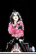 "Frankfurt am Main | 11.11.2010..Alice Cooper bei seiner ""Theatre Of Death Tour 2010"" live in der Jahrhunderthalle in Frankfurt am Main, hier Alice in Zwangsjacke, nicht in chains...©peter-juelich.com..[No Model Release | No Property Release]"