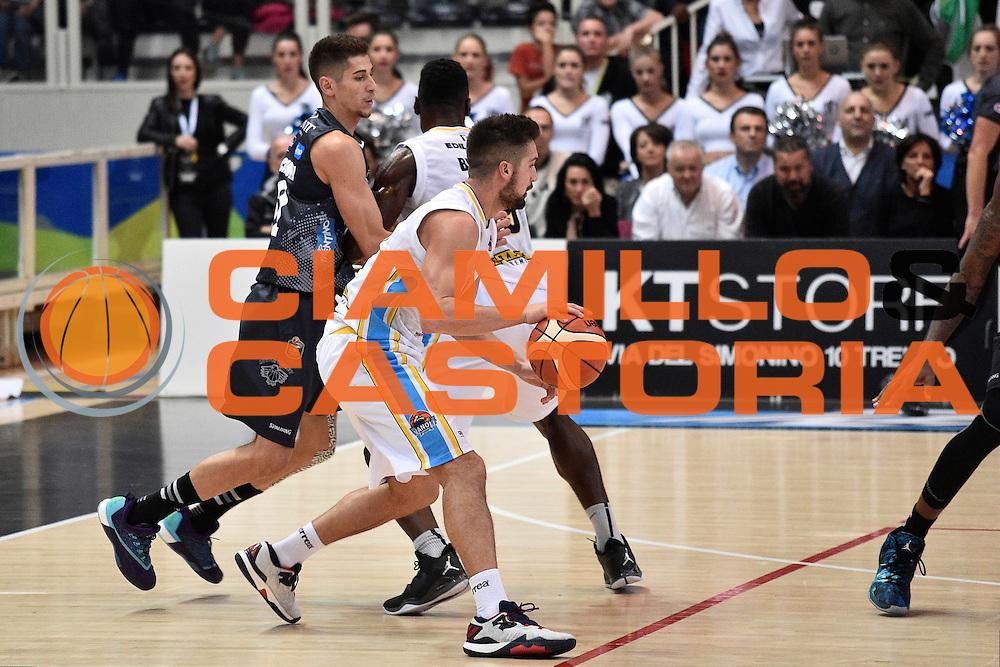 Mian Fabio<br /> Dolomiti Energia Trento - Vanoli Cremona<br /> Lega Basket Serie A 2016/2017<br /> Trento 09/10/2016<br /> Foto Ciamillo-Castoria
