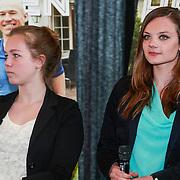 NLD/Ridderkerk/20130506 - Presentatie Helden 18, Tess Moonen en Danila Koster