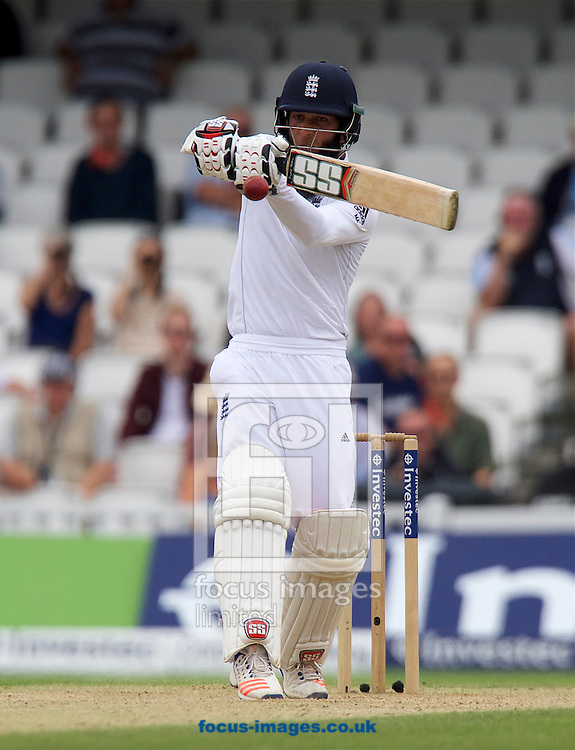 Moeen Ali of England plays a hook shot during Day Four of the fourth Investec Test Match at the Kia Oval, London<br /> Picture by Alan Stanford/Focus Images Ltd +44 7915 056117<br /> 14/08/2016