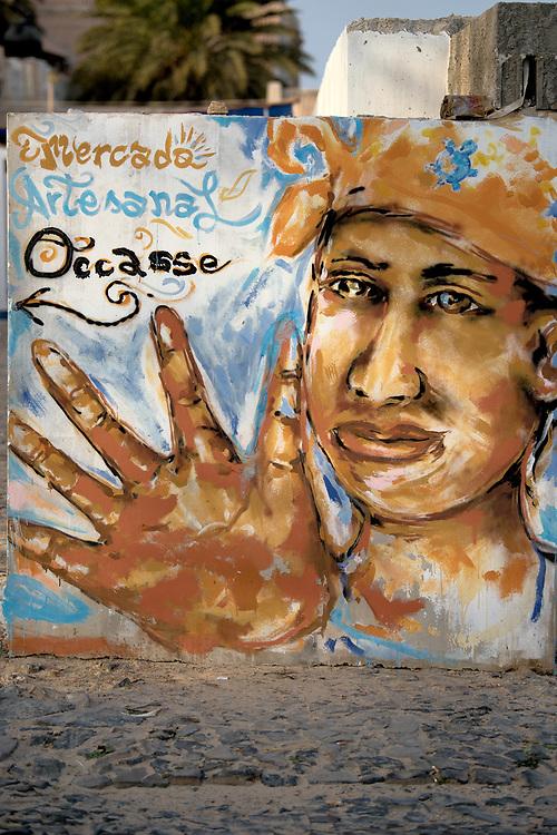 Graffiti in the entrance of the market on the port of Sal Rei. Graffiti à l'entrée du marché sur le port de Sal Rei.
