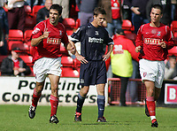 Photo: Paul Thomas.<br /> Walsall v Southend. Coca Cola League 1.<br /> 13/08/2005.<br /> <br /> Jorge Leitao gives the bench the thumbs up after put Walsall ahead.