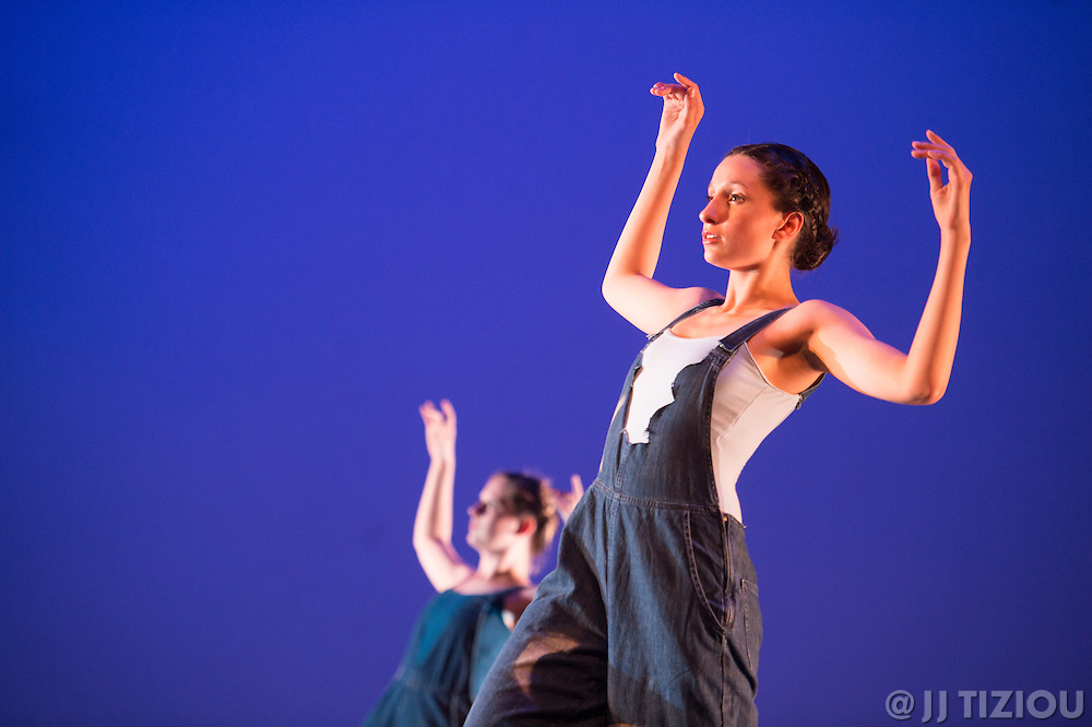 Rehearsal images from Drexel Dance Ensemble's spring 2016 concert: Change Of Pace.<br /> <br /> Photo &copy; Jacques-Jean Tiziou / www.jjtiziou.net<br /> <br /> http://www.jjtiziou.net<br /> http://www.HowPhillyMoves.org<br /> http://www.EveryoneIsPhotogenic.com