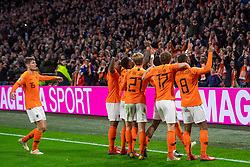 24-03-2019 NED: UEFA Euro 2020 qualification Netherlands - Germany, Amsterdam<br /> Netherlands lost the match 3-2 in the last minute / Memphis Depay #10 of The Netherlands scores the 2-2, Georginio Wijnaldum #8 of The Netherlands, Frenky de Jong #21 of The Netherlands, Daley Blind #17 of The Netherlands, Marten de Roon #15 of The Netherlands
