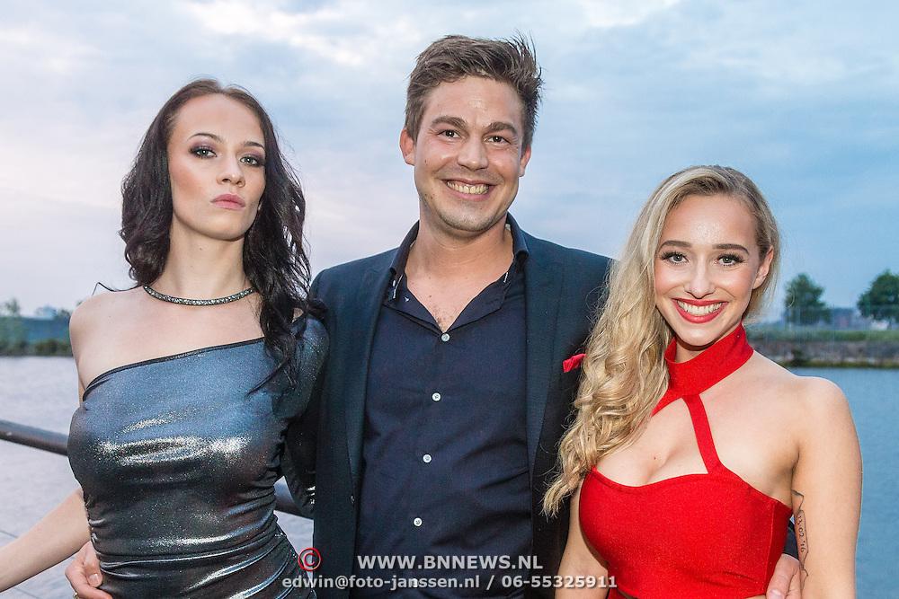 NLD/Amsterdam/20160601 - Uitreiking Porna Awards 2016, Zimra Geurts en hoofdrolspeelster van haar Pornafilm en partner Yuri Stinkens