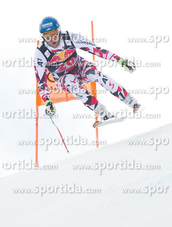 19.01.2016, Streif, Kitzbuehel, AUT, FIS Weltcup Ski Alpin, Kitzbuehel, 1. Abfahrtstraining, Herren, im Bild Romed Baumann (AUT) // Romed Baumann of Austria in action during 1st Training of the men's Downhill Race of Kitzbuehel FIS Ski Alpine World Cup at the Streif in Kitzbuehel, Austria on 2016/01/19. EXPA Pictures © 2016, PhotoCredit: EXPA/ Johann Groder