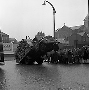 Accident at Nicholas St - Lorry Load of Timber.25/09/1957