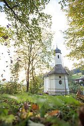 THEMENBILD - herbstlich gefärbte Bäume rund um eine Kapelle an einem Herbstabend, aufgenommen am 22. Oktober 2015, Baumkirchen, Österreich // autumnal colored trees around a capel on a Autumn evening, Baumkirchen, Austria on 2015/10/22. EXPA Pictures © 2015, PhotoCredit: EXPA/ Jakob Gruber