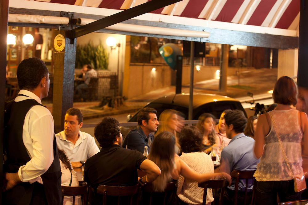 Belo Horizonte_MG, Brasil.<br /> <br /> Pessoas em bar em Belo Horizonte, Minas Gerais.<br /> <br /> People in bar in Belo Horizonte, Minas Gerais.<br /> <br /> Foto: RODRIGO LIMA / NITRO