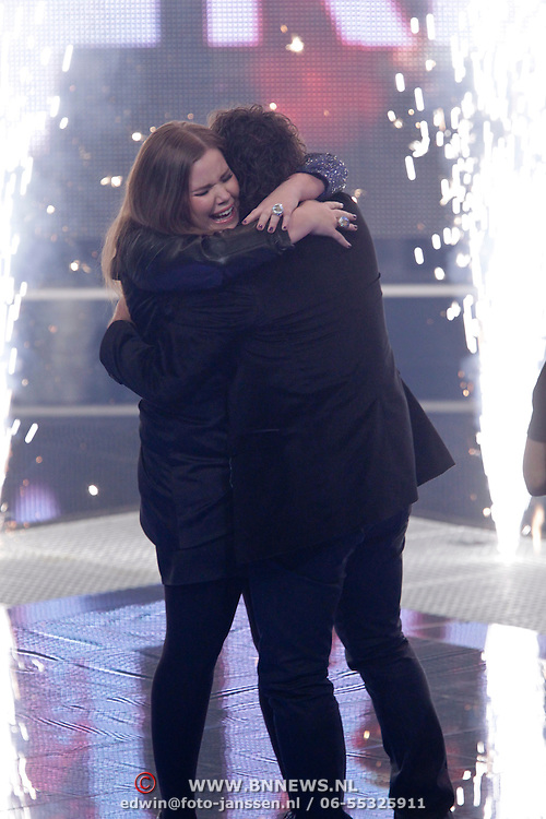 NLD/Hilversum/20120120 - Finale the Voice of Holland 2012, Iris Kroes winnares en haar coach Marc Borsato