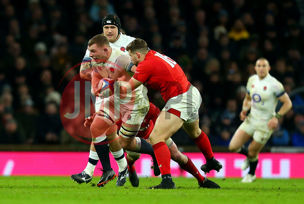 Sam Underhill of England is tackled - Mandatory by-line: Robbie Stephenson/JMP - 10/02/2018 - RUGBY - Twickenham Stoop - London, England - England v Wales - Women's Six Nations