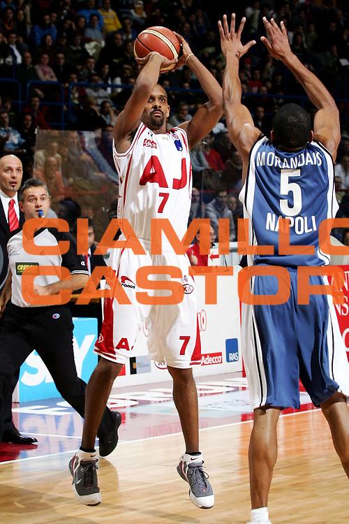 DESCRIZIONE : Milano Lega A1 2005-06 Armani Jeans Olimpia Milano Carpisa Napoli<br /> GIOCATORE : Shumpert<br /> SQUADRA : Armani Jeans Olimpia Milano<br /> EVENTO : Campionato Lega A1 2005-2006<br /> GARA : Armani Jeans Olimpia Milano Carpisa Napoli<br /> DATA : 05/02/2006<br /> CATEGORIA : Tiro<br /> SPORT : Pallacanestro<br /> AUTORE : Agenzia Ciamillo-Castoria/L.Lussoso<br /> Galleria : Lega Basket A1 2005-2006<br /> Fotonotizia : Milano Campionato Italiano Lega A1 2005-2006 Armani Jeans Olimpia Milano Carpisa Napoli<br /> Predefinita :