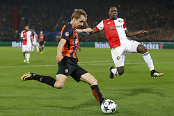 (L-R), Bohdan Butko of FC Shakhtar Donesk, Jeremiah St Juste of Feyenoord during the UEFA Champions League group F match between Feyenoord Rotterdam and Shakhtar Donetsk at the Kuip on October 17, 2017 in Rotterdam, The Netherlands