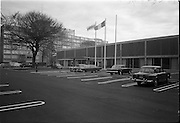 23/05/1963<br /> 05/23/1963<br /> 23 May 1963<br /> The Intercontinental Hotel, Dublin.<br /> Images of the recently opened Intercontinental hotel for the Cork Examiner. Image shows the exterior and car park of the hotel.